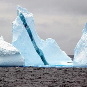 iceberg-one-blue-stripe