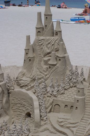 Olivers Travels introduce Sandcastle Butlers to build