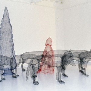 wire-art-red-riding-hood-2