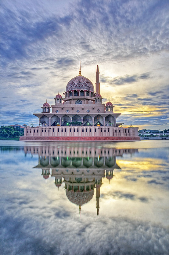 Putra Mosque, Malaysia by Kukoq Nyoq