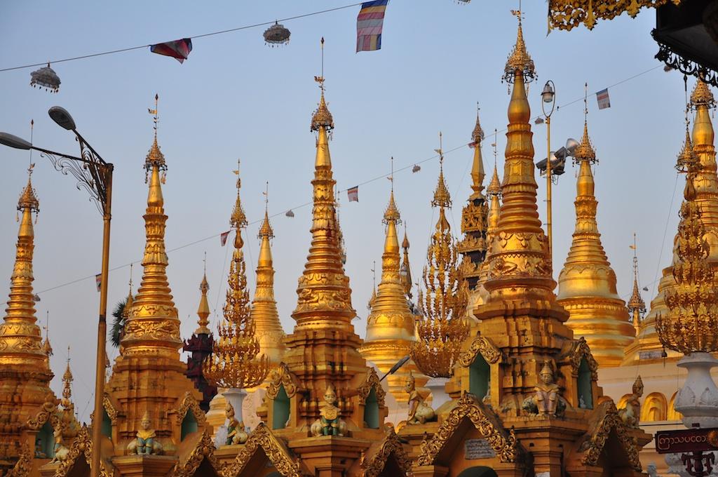 Shwedagon-Paya-–-Yangon-Myanmar
