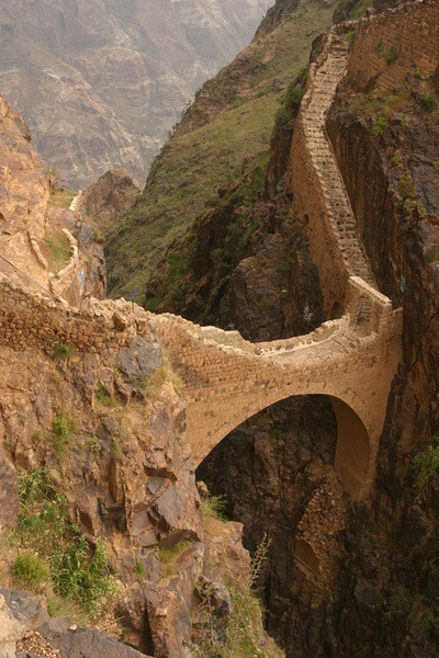 The Shahara Bridge, Yemen, built to fight turkish invaders. The legend says that the local people can remove the bridge in few minutes in case of imminent danger.