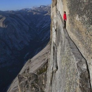 crazy-This-40-foot-long-sliver-of-granite-on-Half-Dome-in-Yosemite