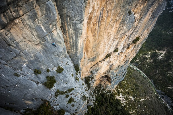 Do not miss spotting the climber.  Austrian athlete Mich Kemeter climbs the 300m high Verdon cliffs without a rope or any safety equipment. Durandal route by Alexandre Buisse