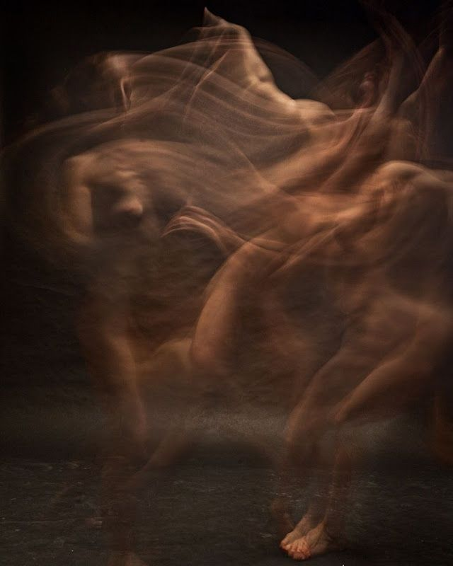 long and short, Photographer Bill Wadman has captured 9 dancers in flowing motion 4