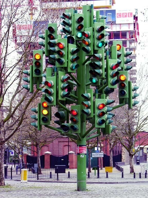 Traffic light tree has 75 sets of lights, by Pierre Vivant in London