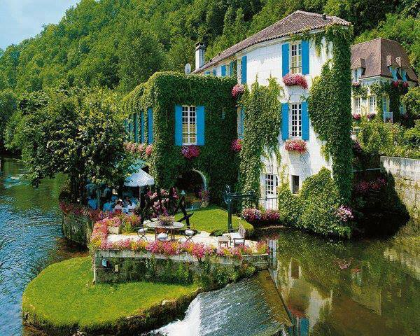 Le Moulin de l'Abbaye Hotel in Brantome, France