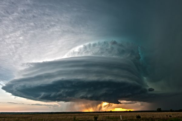 Kansas supercell cloud via National Geographic