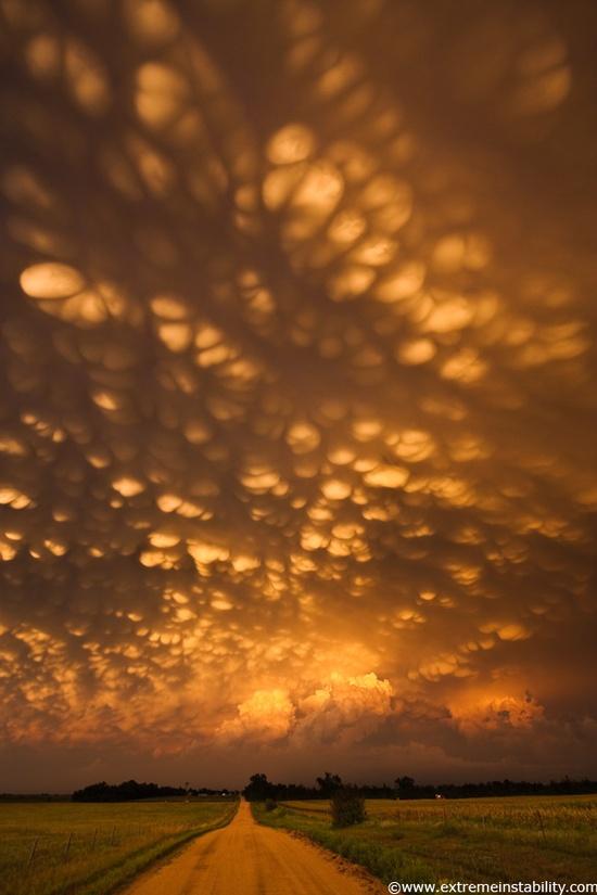 Mammatus clouds form over eastern Nebraska