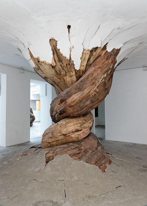By Henrique Oliveira, Desnatureza, Wood, cement, pigments, Paris.