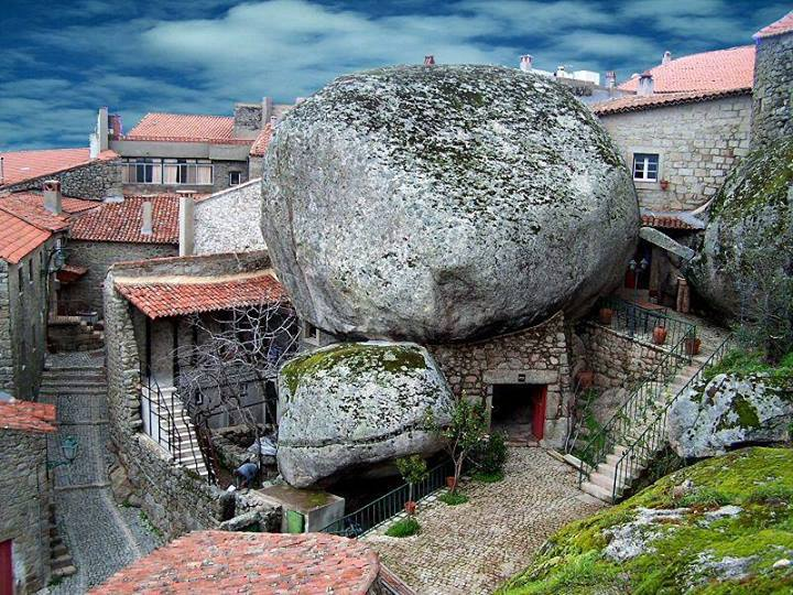 Rock Village Monsanto in Portugal