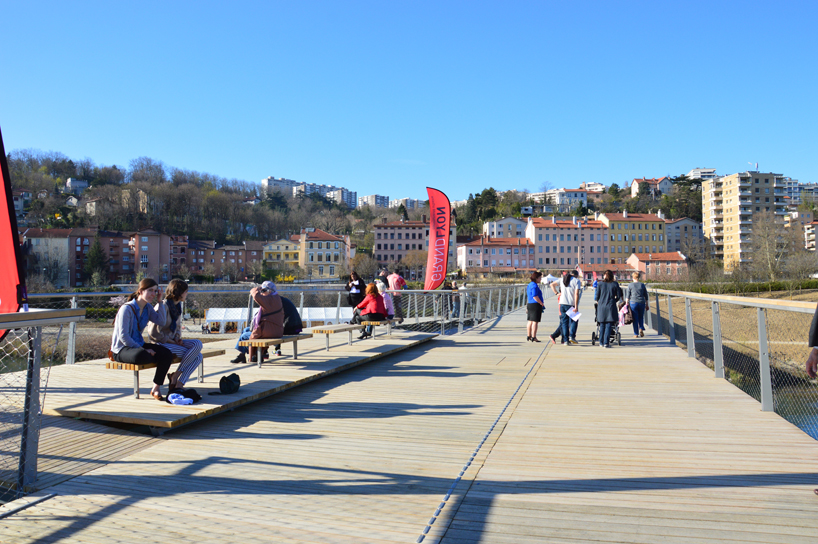 PUBLIC SPACE in the middle of Lyon bridge.