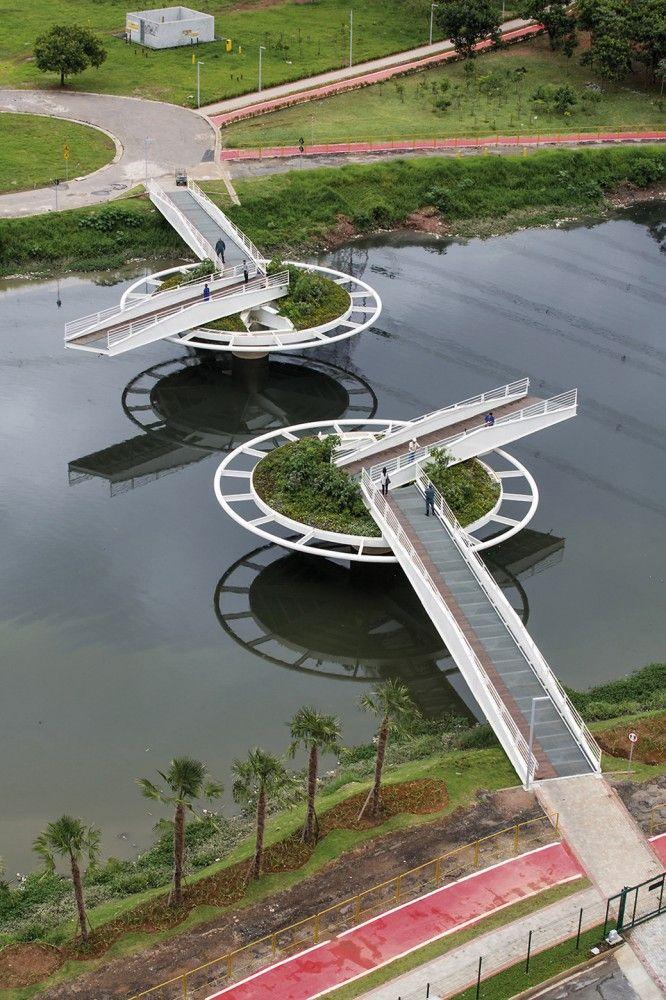 bridge, not quite a draw bridge, Friedrich Bayer Bridge
