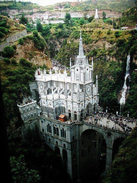 Santaurio de las Lajas, Columbia