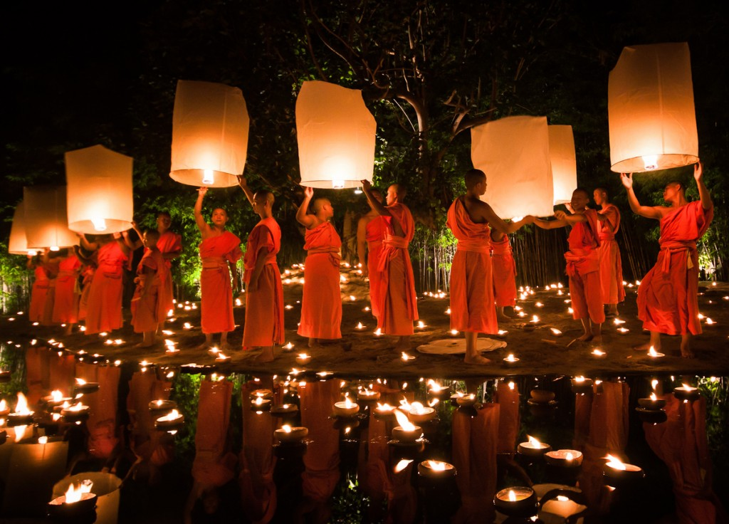 monks releasing lanturns by Daniel Nahabedian, Chiang Mai, Thailand