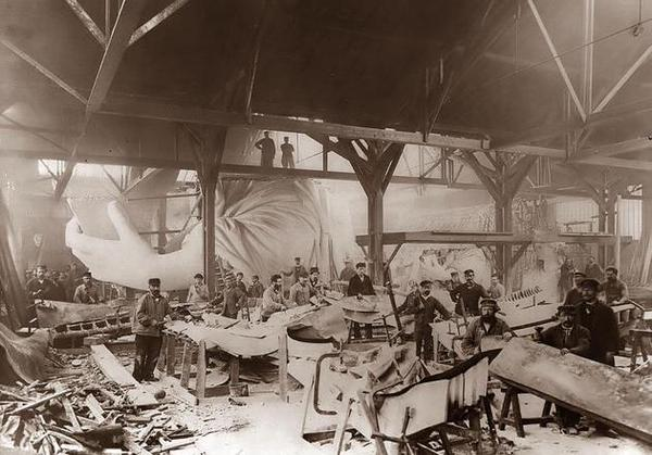The construction of the Statue of Liberty in 1884 by Vichaya Pop.