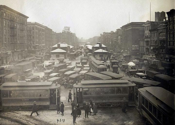 Traffic jam in New York City, 1923.