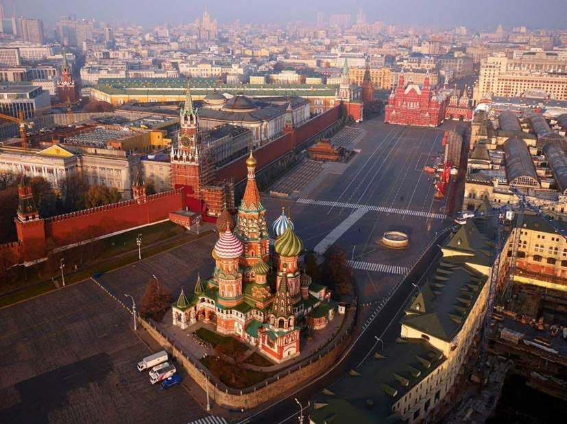 Kremlin, Moscow, Russia by photographer Amos Chapple