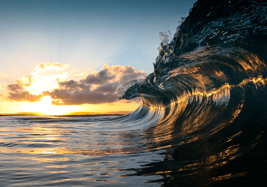 Real ocean waves captured by Warren Keelan in Australia.
