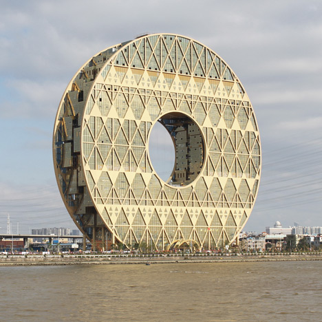 Guangzhou Circle, doughnut-shaped skyscraper by Joseph di Pasquale