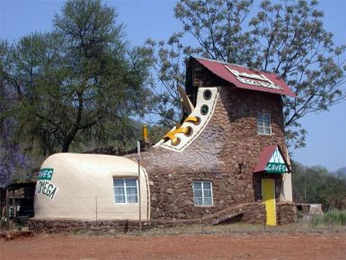Shoe house Abel- Erasmus Pass Branddraai mpumalanga, South-Africa