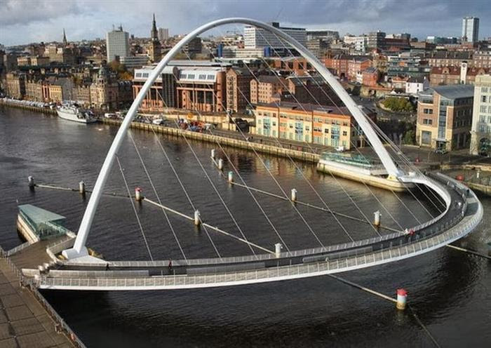 bridge, Gateshead Millennium Bridge, UK 2