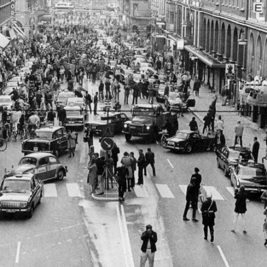 Sept 3, 1967, 5pm, Sweden changed from driving on the left side to driving on the right. This was the result