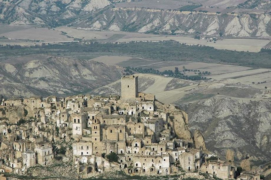 Abandoned medieval village – Craco, Italy