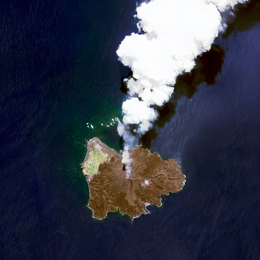 Nishinoshima is a volcanic island located 940 kilometers (584 miles) south of Tokyo, Japan. Starting in November 2013, the volcano began to erupt and continued to do so until August 2015. Over the course of the eruption, the area of the island grew in size from 0.06 square kilometers (0.02 square miles) to 2·3 square kilometers (0·89 square miles).